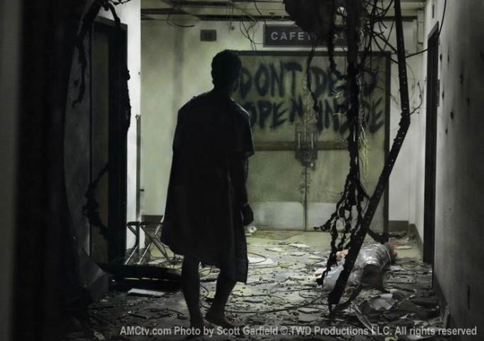 amc-cafeteria-door-walking-dead-dont-open-dead-inside-680x479.jpg